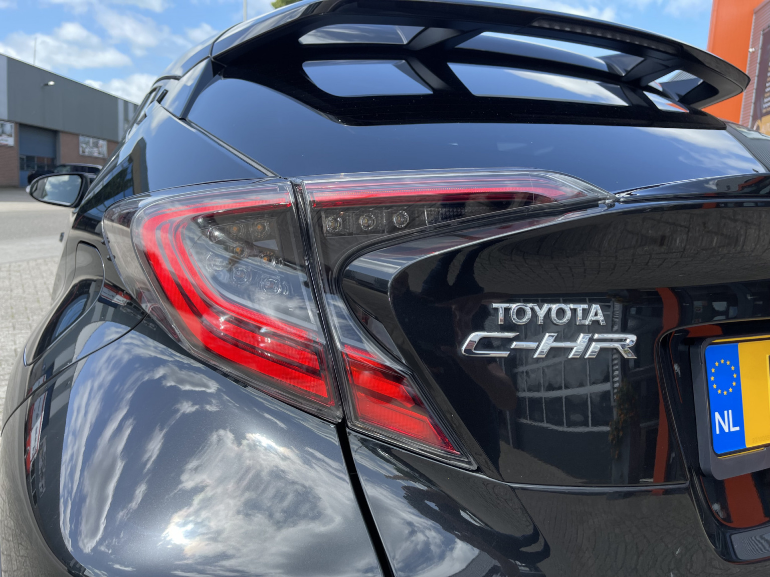 Toyota-C-HR-21