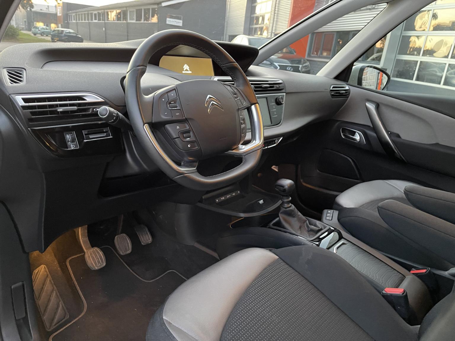 Citroën-Grand C4 Spacetourer-16