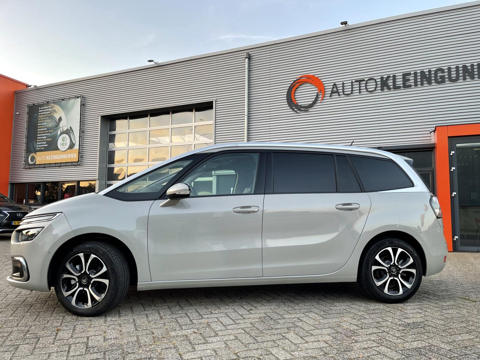 Citroën-Grand C4 Spacetourer-2